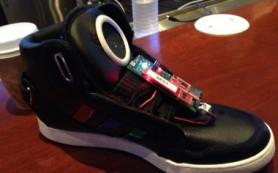 Google представил прототип «умных кроссовок»