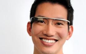 Google инвестировал средства в производство дисплеев для Google Glass