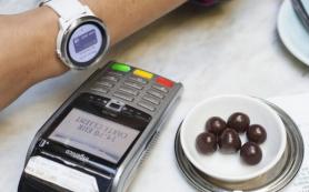 Российские банки запускают бесконтактную оплату Garmin Pay